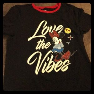 Love ❤️ the Vibes! Minnie Mouse T Shirt. ✨❤️